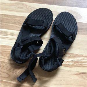 Teva Shoes - Teva black sandals sz 5